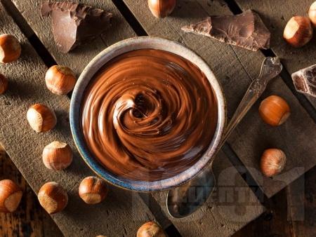 Домашен течен шоколад с лешников тахан, какао и мед - снимка на рецептата